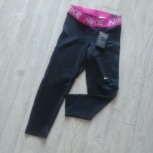 BNWT Nike Pro cropped tights